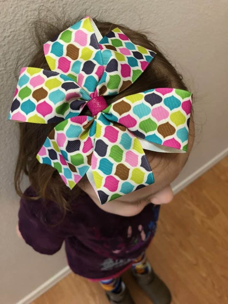 I love this simple tutorial to make Bow Tie Hair Bows